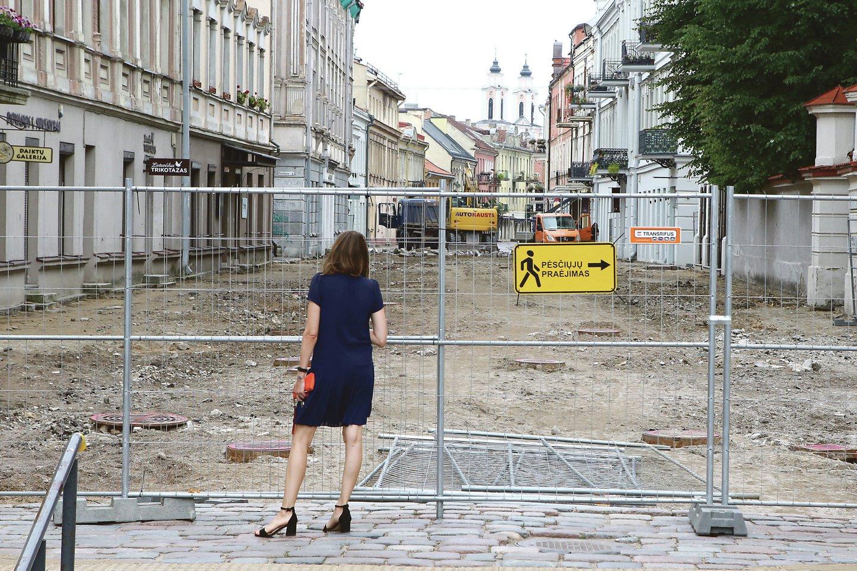 Kauno opozicija ragina skirti verslininkams lengvatas dėl uždarytos Vilniaus gatvės.<br>M.Patašiaus nuotr.