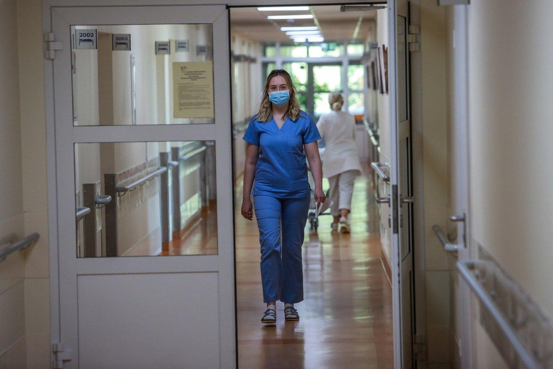 Koronavirusas, medikai, ligoninė<br>G.Bitvinsko nuotr.