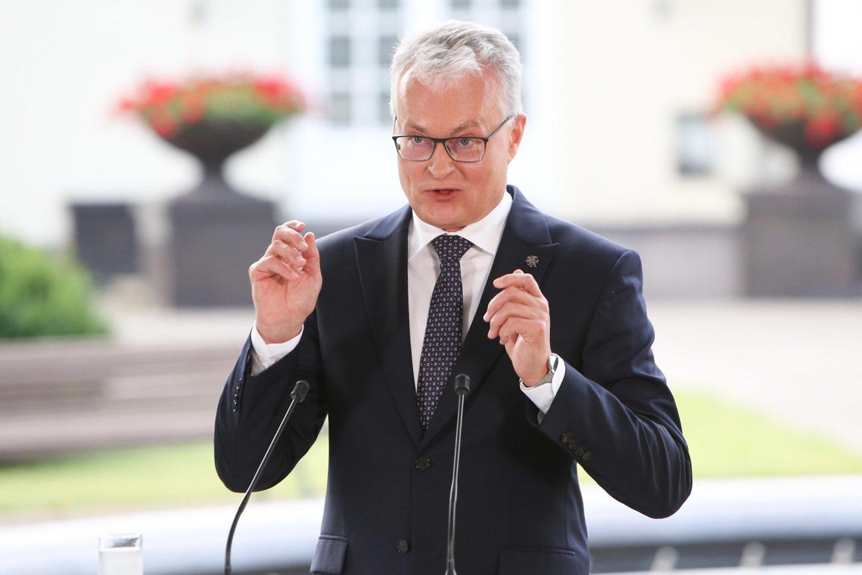 Prezidento patarėjas Povilas Mačiulis antradienį pareiškė, esą Užsieniečių teisinės padėties įstatymo pataisas praėjusią savaitę priėmęs Seimas išmetė į šiukšlių dėžę žmogaus teises.<br>R.Danisevičiaus nuotr.