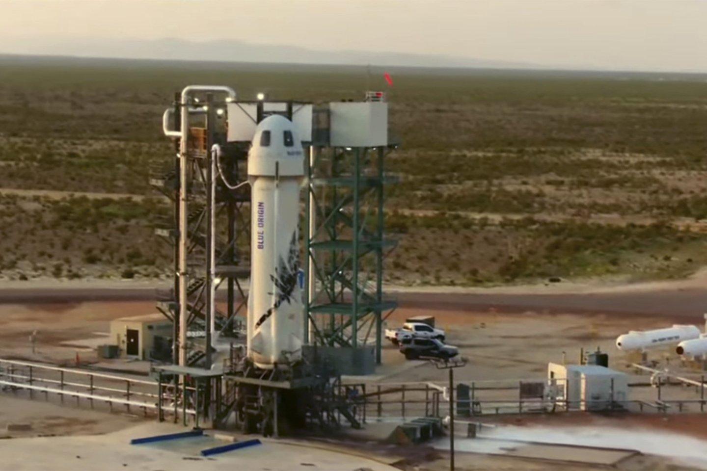 """Antradienį, 16 val. 12 min. Lietuvos laiku nuo Žemės paviršiaus atsiplėšė Jeffo Bezoso vadovaujamos kompanijos """"Blue Origin"""" raketa """"New Shepard"""".<br>Scanpix nuotr."""