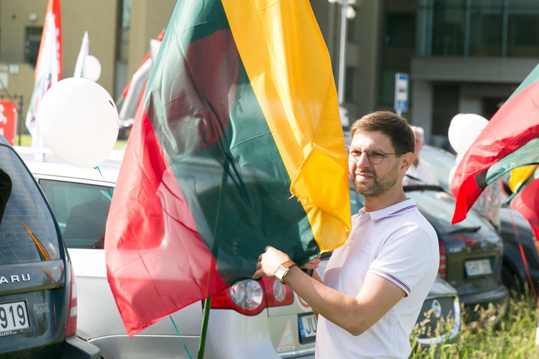 """""""Šeimų maršo"""" aktyvistai organizuoja dar vieną protestą: šį kartą priešinsis privalomam testavimui ir skiepijimui.<br>T.Bauro nuotr."""