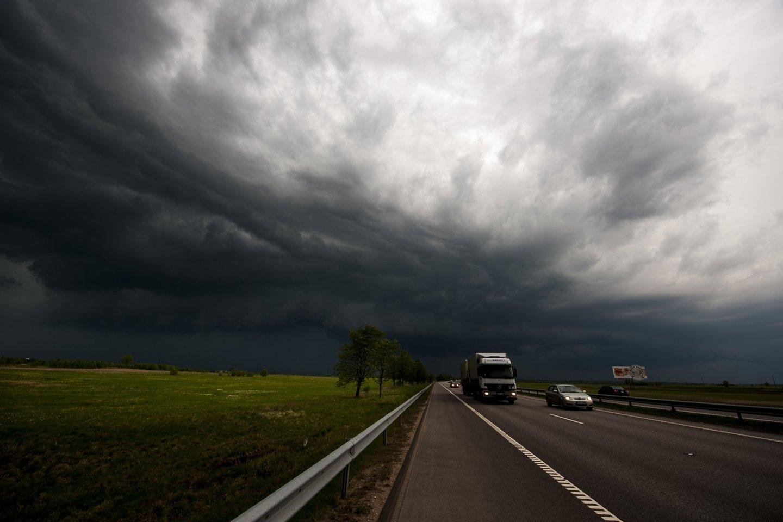 Sinoptikai: vasarišką šilumą keis trumpi lietūs, kai kur gali pasigirsti perkūnijos griausmas.<br>V.Ščiavinsko nuotr.