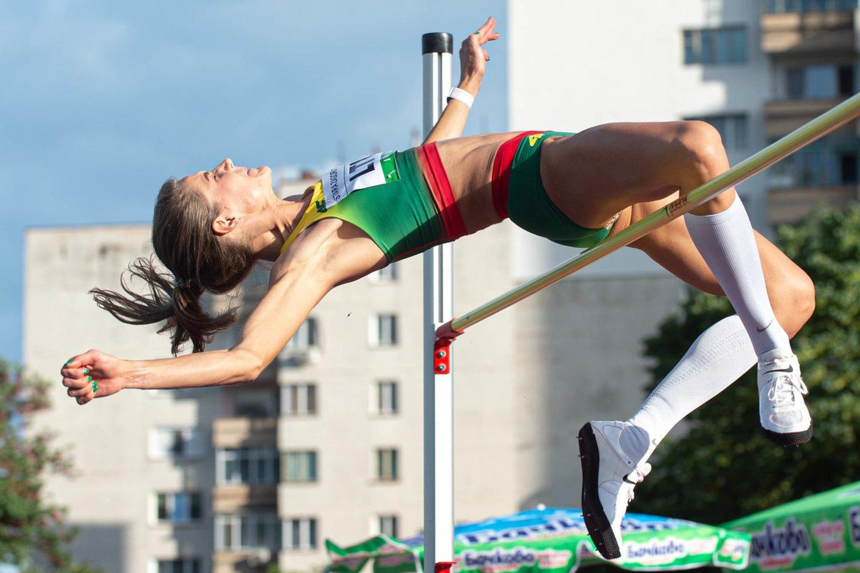 Šuolininkė A.Palšytė dalyvaus trečiose olimpinėse žaidynėse.<br>A.Pliadžio nuotr.