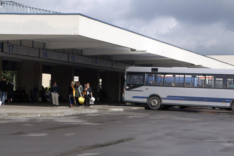 Iš sostinės autobusų stoties keleiviai gali pasiekti Minską Baltarusijoje, Lvovą Ukrainoje, Gdanską Lenkijoje. Tačiau, palyginti su 2019 metais, tai tik trečdalis tarptautinių keleivių maršrutų.<br>I.Gelūno nuotr.