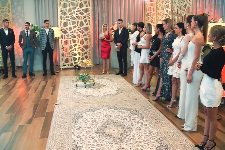 """Vasaros realybės šou """"Meilė be sienų"""" akimirka.<br>TV3 nuotr."""