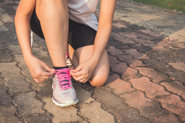 Laikantis trijų taisyklių, sportu galima ne tik pasimėgauti, bet ir nusiplauti karantino bei rūpesčių naštą.<br>Pexels nuotr.