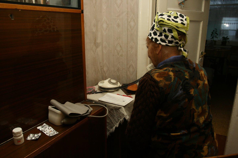 Itin suaktyvėję telefoniniai sukčiai atakuoja Lietuvos gyventojus, kurių ne vienas ir užkimba ant vagių kabliuko.<br>M.Patašiaus nuotr.