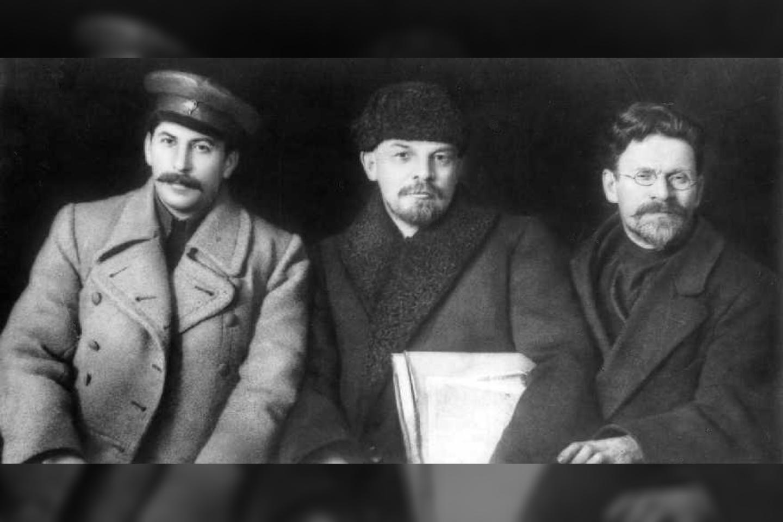 J. Stalinas, V. Leninas ir M. Kalininas, 1919 m.<br>Wikimedia commons