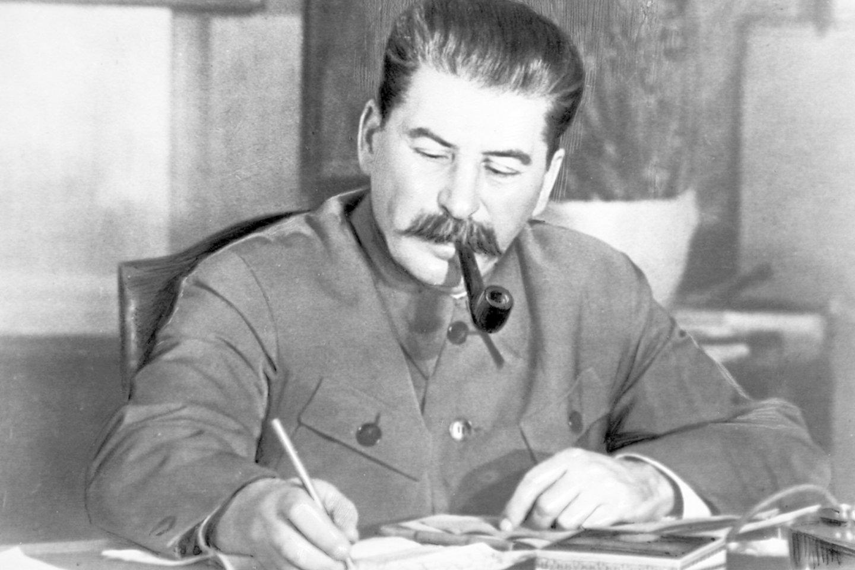 Stalino kritikai tvirtino, kad jis draudžia istorikams tyrinėti jo biografiją, nes baiminosi tamsios savo praeities demaskavimo.<br>Imago / Scanpix nuotr.