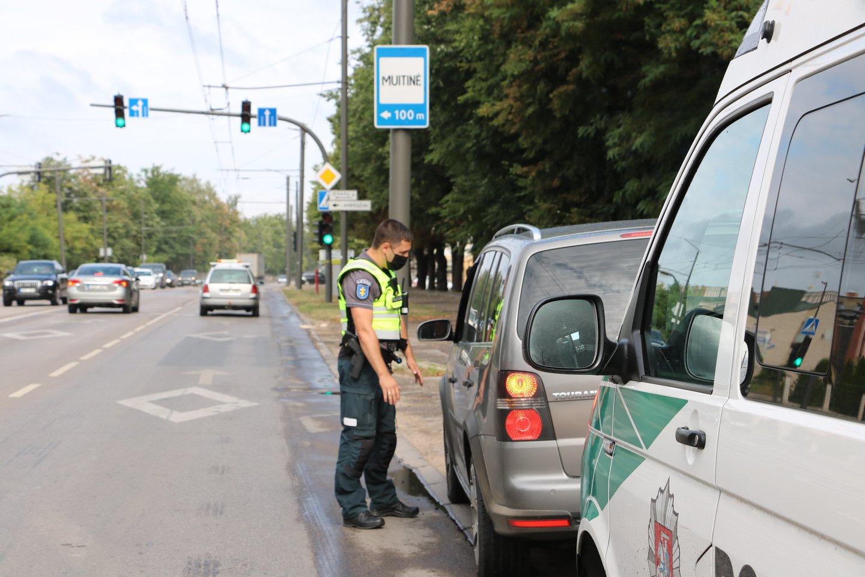 Vien nuo birželio mėnesio pabaigos iki šios savaitės pradžios Kauno apskrityje užfiksuota apie 1,3 tūkst. Kelių eismo taisyklių (toliau – KET) pažeidimų.<br>Pranešėjų spaudai nuotr.