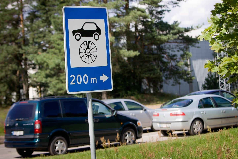 219 eurų – tiek pinigų išleido Ukmergės gyventojas autoservise vien dėl to, kad techninės apžiūros atstovai nesugebėjo pateikti detalios informacijos.<br>D.Umbraso nuotr.
