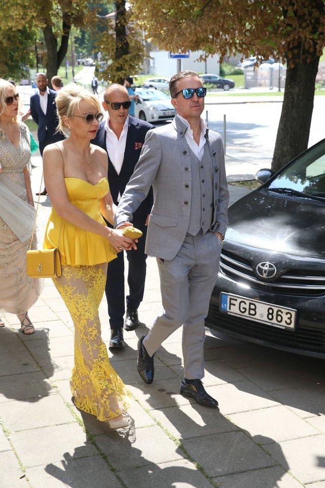 Vestuvių svečiai.<br>R.Danisevičiaus nuotr.