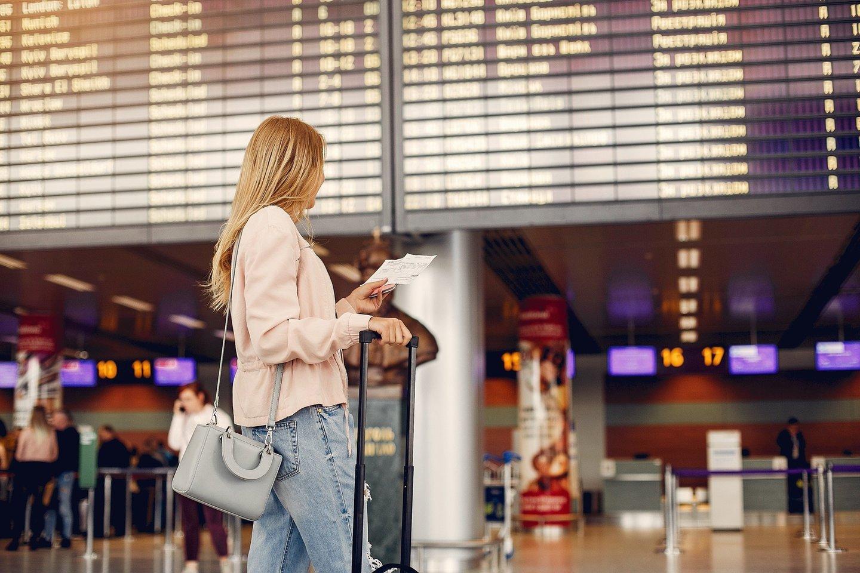 Keliaujant lėktuvu, galioja tie patys etiketo principai, kaip ir kasdienėje veikloje.