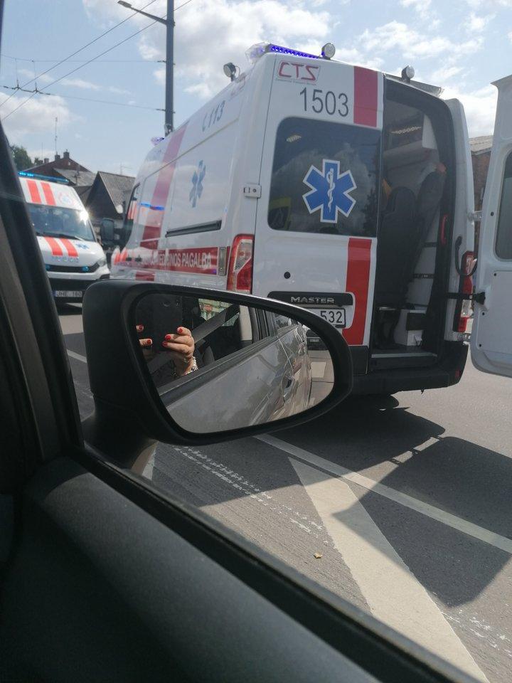 Automobilių susidūrimas A.Juozapavičiaus prospekte.<br>A.Karaliūno nuotr.