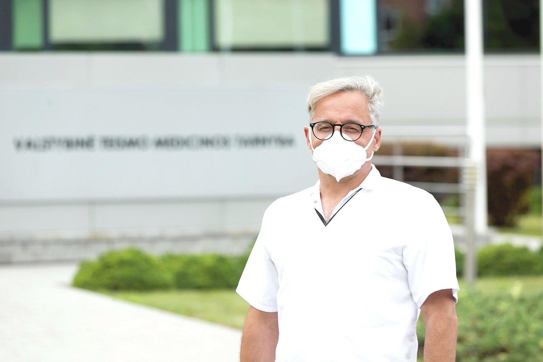 J.Plenta tvirtino, kad pastaruoju metu teismo medikai dažnai net nelaukia PGR tyrimo, ar žmogus sirgo koronavirusu, o iš karto imasi darbo.<br>G.Bitvinsko nuotr.