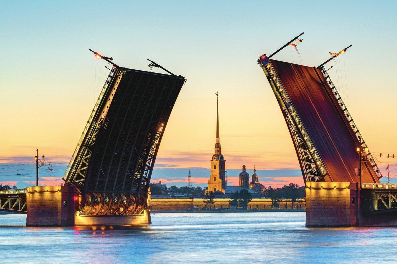 """Sankt Peterburge rengiamas paradas.<br>""""123rf.com"""" nuotr."""