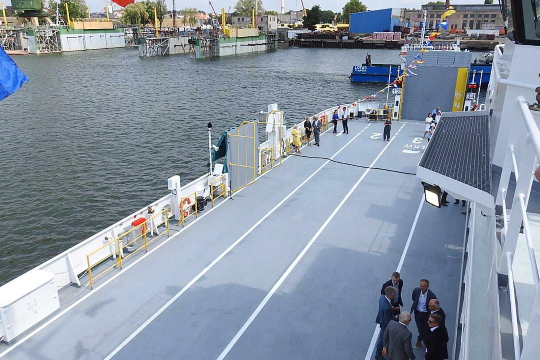 """Vakarų Baltijos laivų statykloje į vandenį nuleistas naujas keleivių ir automobilių keltas """"Klaipėda"""".<br>G.Pilaičio nuotr."""