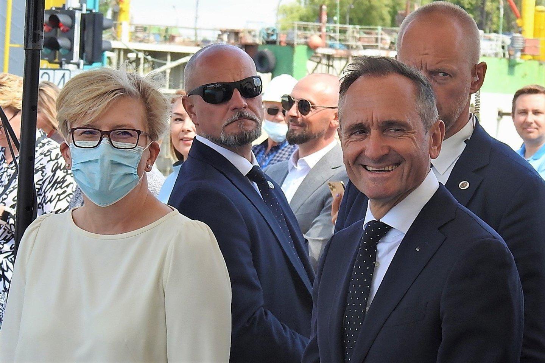 Premjerė Ingrida Šmonytė ir VLG vadovas Arnoldas Šileika.<br>G.Pilaičio nuotr.