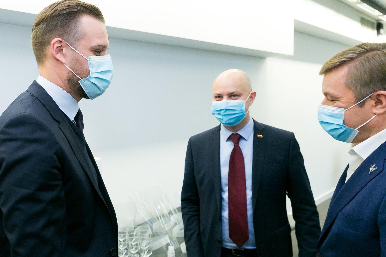 Gabrielius Landsbergis, Ramūnas Karbauskis, Aurelijus Veryga<br>T.Bauro nuotr.