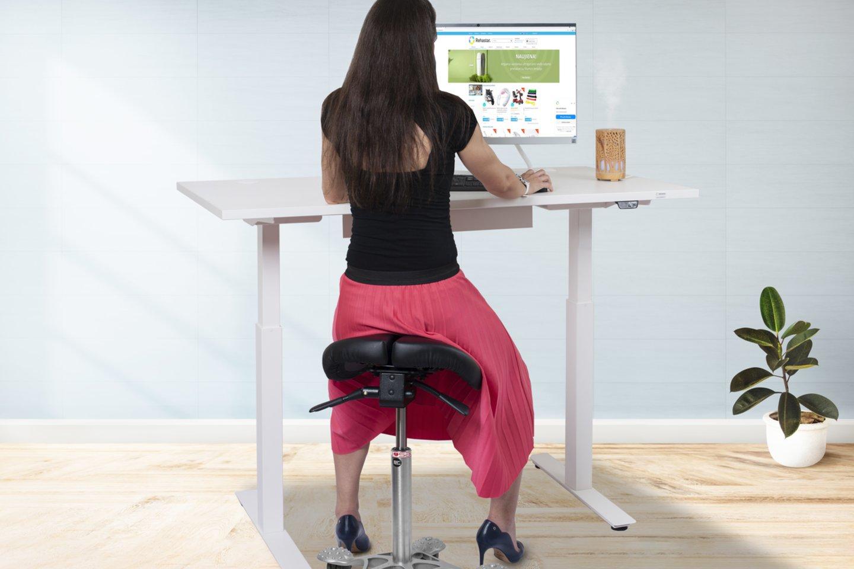 Reguliuojamo aukščio stalai leidžia pakeisti kūno padėtį iš sėdimos į stovimą ir atvirkščiai.