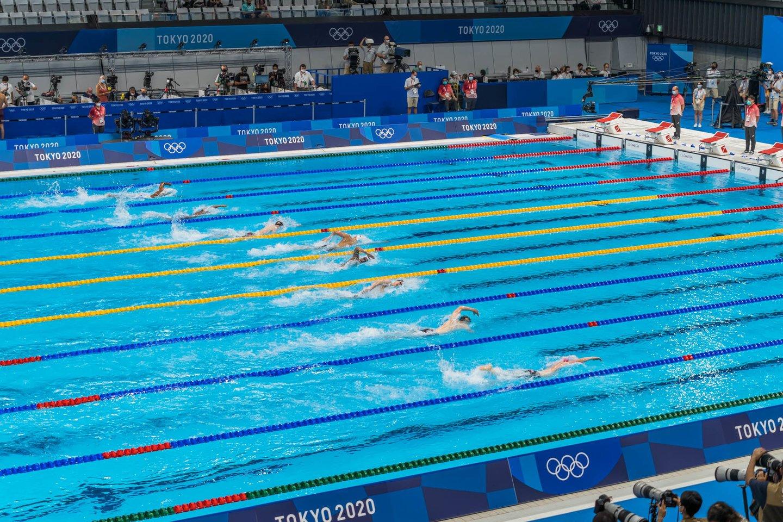 Plaukikų startai Tokijo baseine.<br>K.Štreimikio/LTOK nuotr.