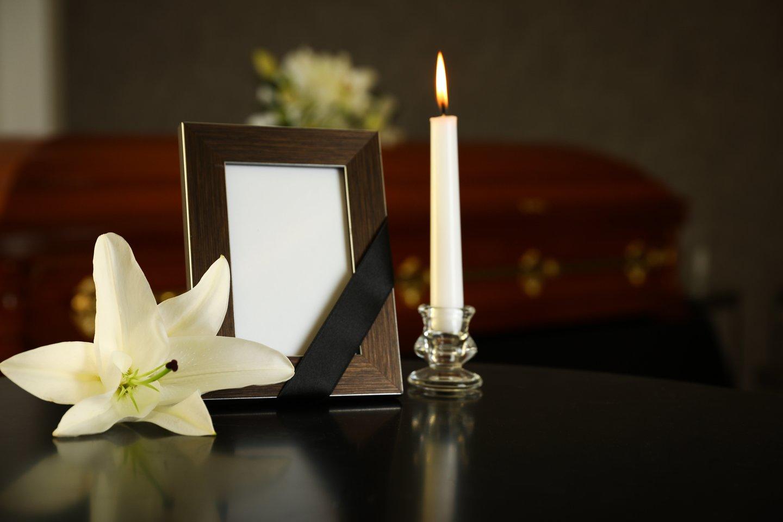 Prieš kelerius metus atlikta apklausa parodė, kad šalies biudžetas iš verslo, veikiančio laidojimo paslaugų srityje, kasmet praranda beveik 14 mln. eurų.<br>123rf.com asociatyvioji nuotr.