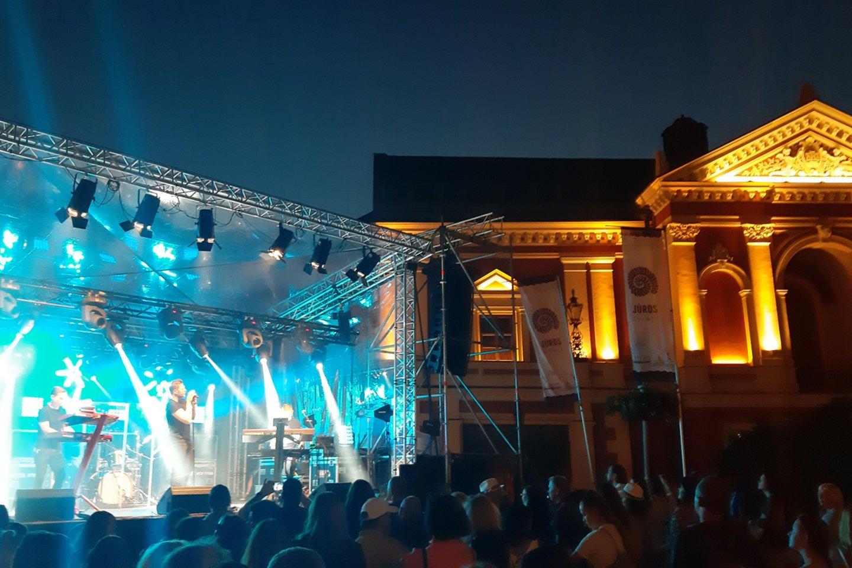 J.Veklenkos koncertas Teatro aikštėje.<br>G.Pilaičio nuotr.