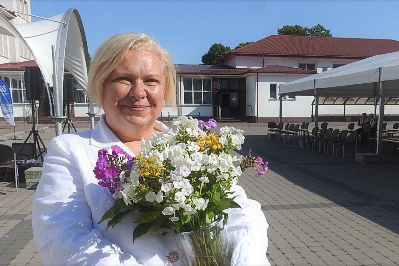 LAJM direktoriaus pavaduotoja akademinei veiklai Rima Mickienė apdovanota Lietuvos nusipelniusio jūrų transporto darbuotojo garbės ženklu.<br>G.Pilaičio nuotr.