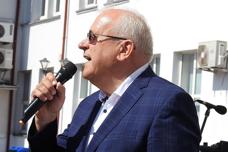"""Medikas Jonas Sąlyga - vienas geriausių jūreivišku himnu vadinamos dainos """"Balandėlė"""" atlikėjas.<br>G.Pilaičio nuotr."""