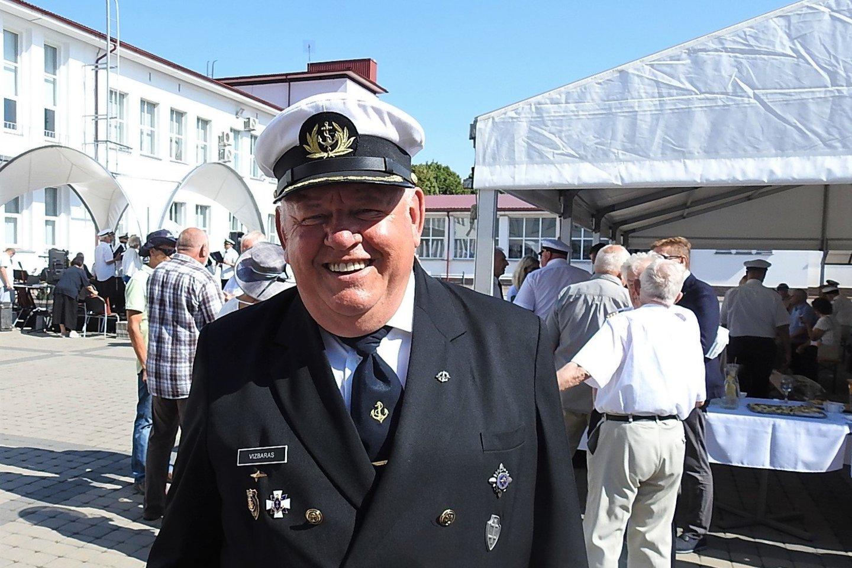 """Jūrų kapitonas Valdemaras Vizbaras daug metų vadovavo Klaipėdos universiteto mokomajam burlaiviui """"Brabander"""".<br>G.Pilaičio nuotr."""