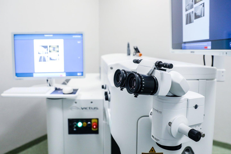 Femtosekundinio lazerio panaudojimas leidžia sumažinti ultragarso energijos poveikį aplinkiniams audiniams.<br>Partnerio nuotr.