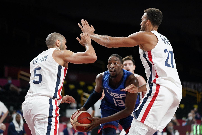 JAV rinktinė pralaimėjimu pradėjo olimpinių žaidynių krepšinio turnyrą.<br>AP/Scanpix nuotr.