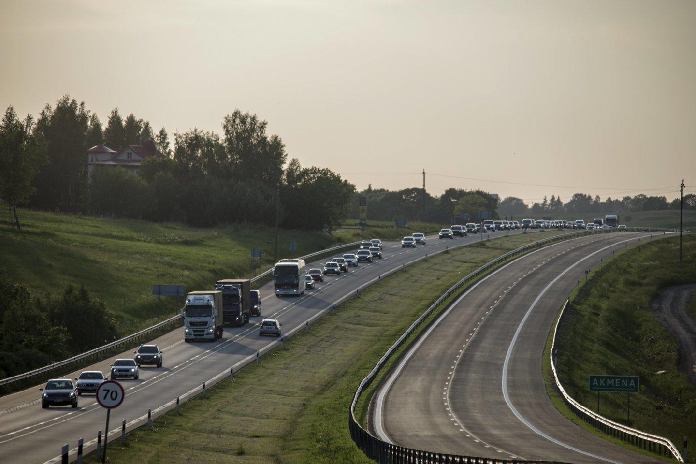 Dar didesnį rinkos augimą stabdo maždaug ketvirtadaliu sumažėjusi naudotų automobilių pasiūla didžiosiose Europos rinkose.<br>V.Ščiavinsko nuotr.