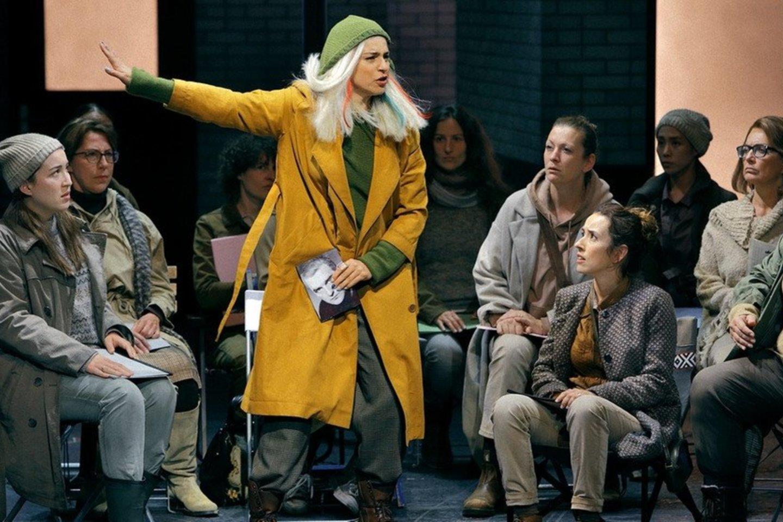 Soprano A.Grigorian herojė scenoje – tokia pat mįslinga kaip ir visas spektaklio pastatymas.<br>E.Nawrath'o (Bairoito festivalis) nuotr.