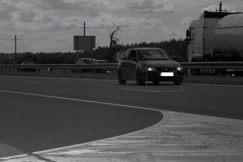 Per savaitę Kelių patrulių kuopos pareigūnai mobiliaisiais greičio matavimo prietaisais užfiksavo 952 greičio viršijimo atvejus.<br>Pranešėjų spaudai nuotr.