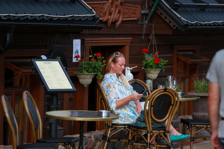 Pusę metų dirbę nuostolingai restoranų verslininkai pagaliau gali trinti rankomis – liepa turėtų būti pelninga.<br>G.Bitvinsko nuotr.