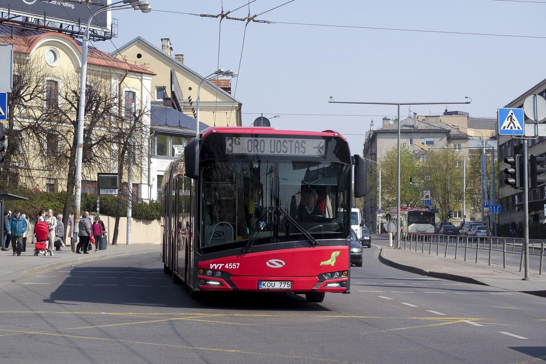 Iki 2026 m. iš Ekonomikos gaivinimo ir atsparumo didinimo plano (RRF) lėšų planuojama skirti 69 mln. eurų netaršiems autobusams įsigyti.<br>V.Ščiavinsko nuotr.