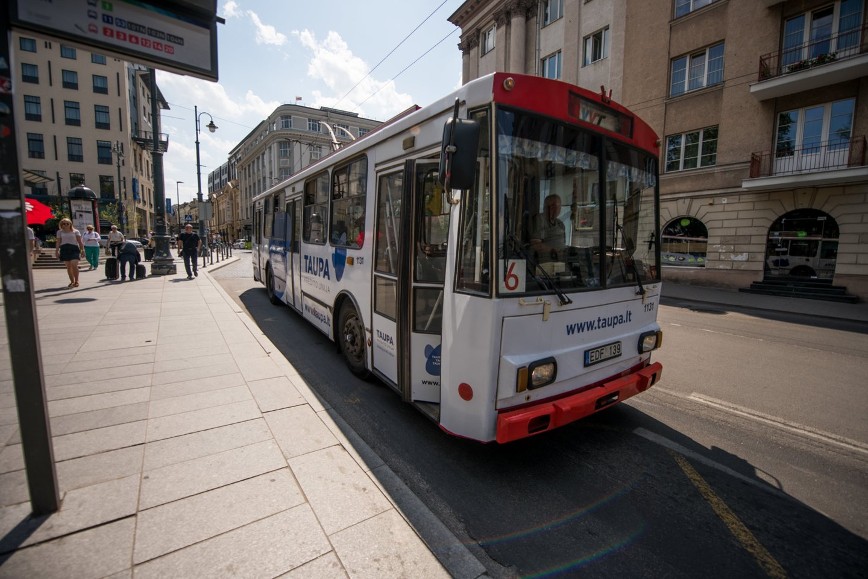 Iki 2026 m. iš Ekonomikos gaivinimo ir atsparumo didinimo plano (RRF) lėšų planuojama skirti 69 mln. eurų netaršiems autobusams įsigyti.<br>D.Umbraso nuotr.