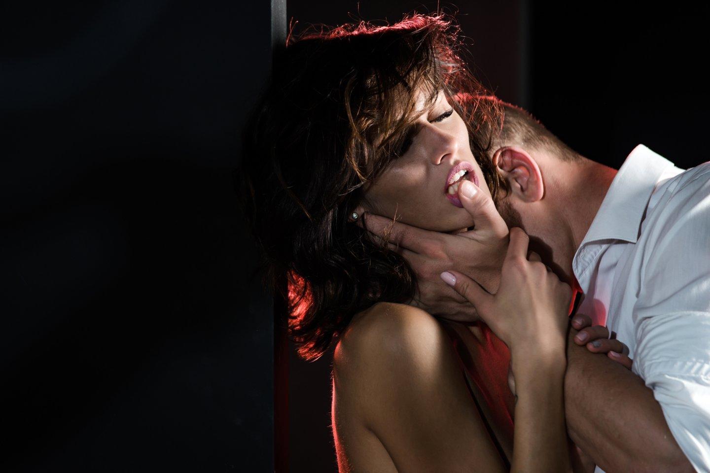 Alfonsą įsimylėjusi moteris atsikvošėjo tik tada, kai buvo skolose ir beveik viską praradusi.<br>123rf.com asociatyvioji nuotr.