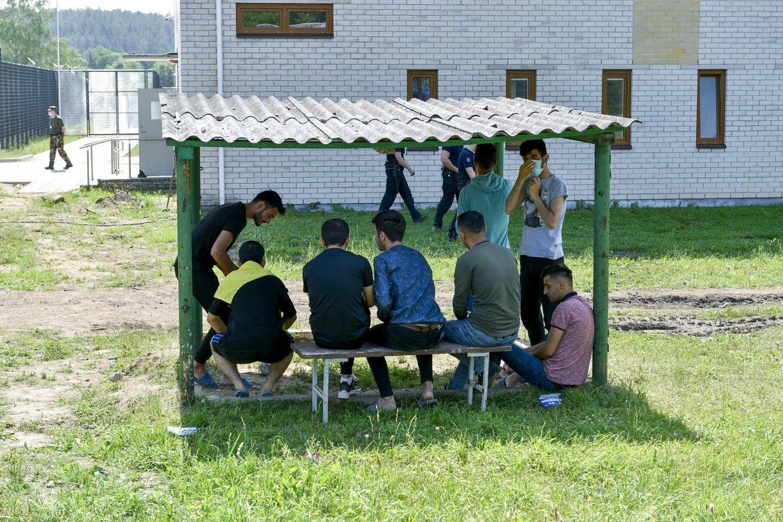 G.Nausėda kreipėsi į verslininkus, siūlydamas eiti į talką ir pasidalinus po gabaliuką pastatyti sieną su Baltarusija.<br>V.Ščiavinsko nuotr.