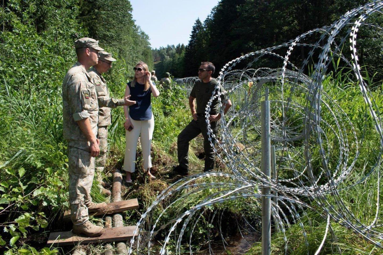 G.Nausėda kreipėsi į verslininkus, siūlydamas eiti į talką ir pasidalinus po gabaliuką pastatyti sieną su Baltarusija.<br>L.Tamošiūno nuotr.