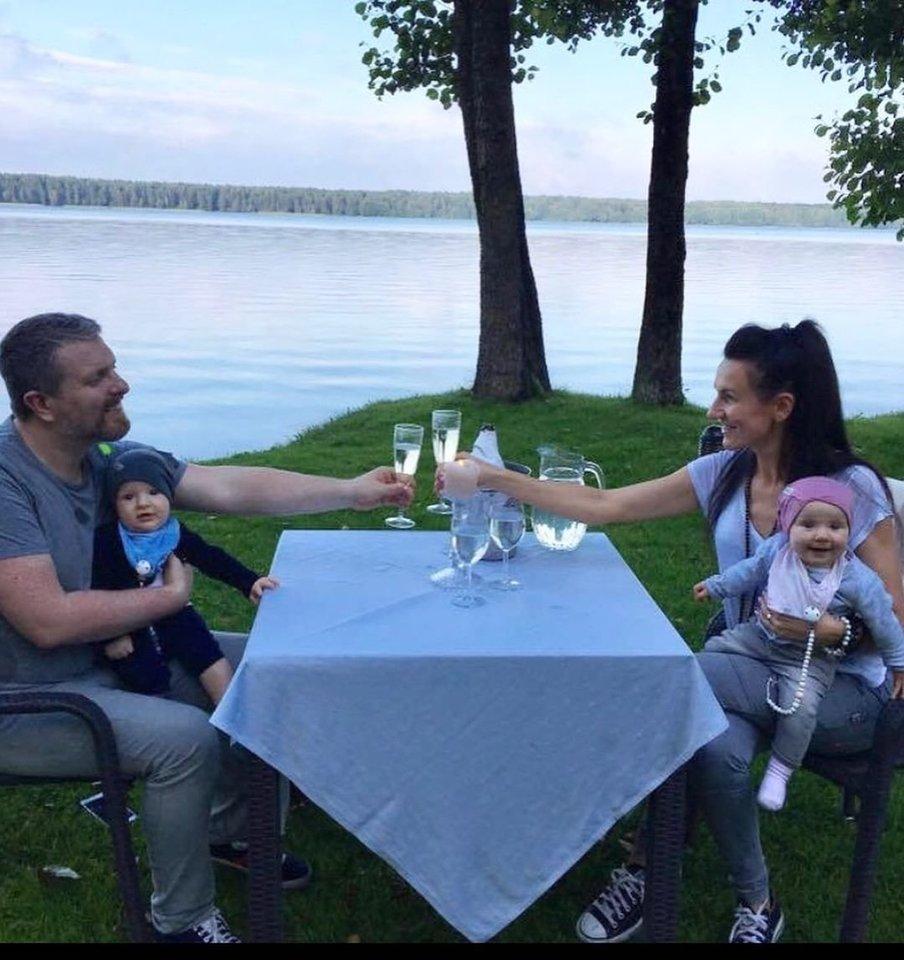 Katažina ir Deivydas Zvonkai su vaikais.<br>Asmeninio albumo nuotr.