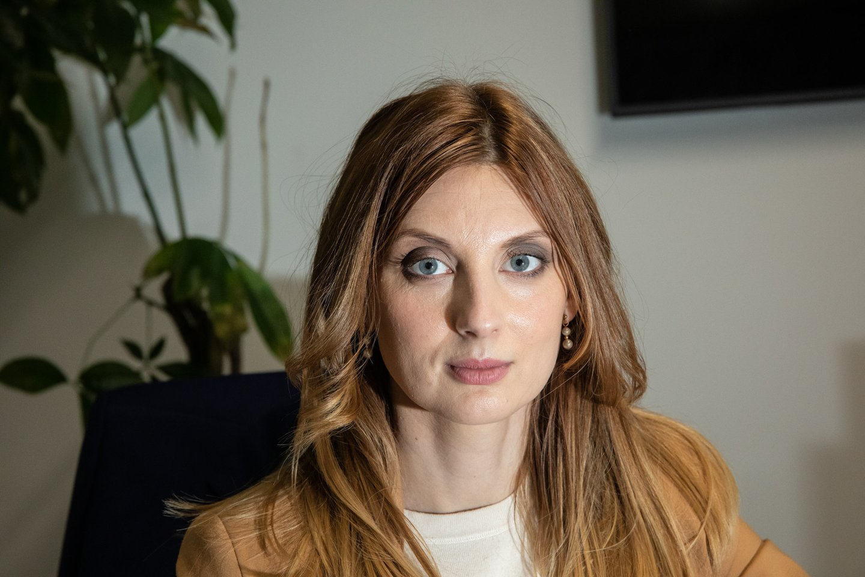 """Griežtai auklėta aktorė Agnė Kaktaitė: """"Vaidinti su keiksmažodžiais man buvo tarsi terapija""""."""