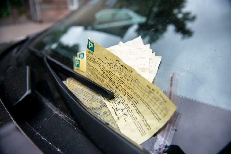 Vairuotojas mano, kad reikėtų įteisinti KET pažeidėjų fiksavimą už premijas.<br>J. Stacevičiaus nuotr.