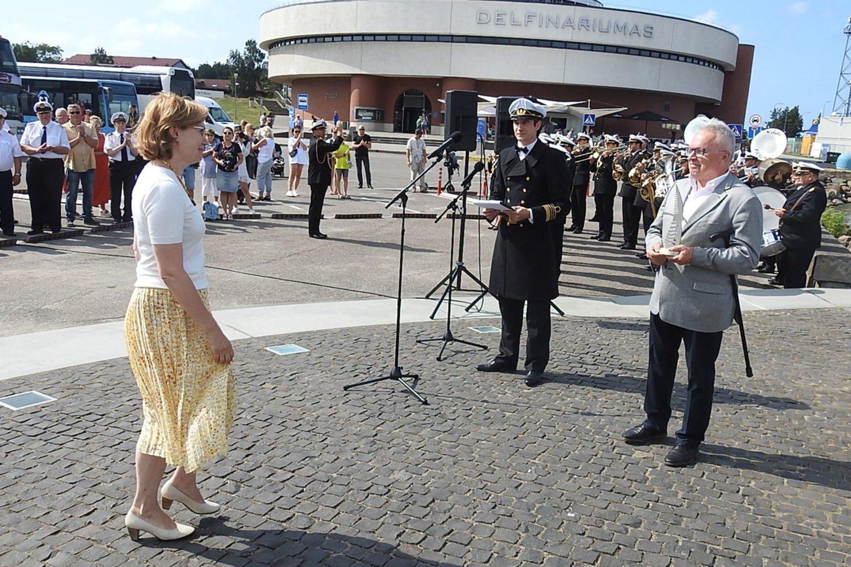 Įvertinta Klaipėdos muzikinio teatro vadovės Laimos Vilimienės veikla puoselėjant jūrų kultūrą.<br>G.Pilaičio nuotr.