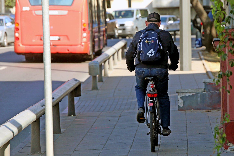 Dviračių pardavimai pastaruosius dvejus metus augo keletą kartų, tačiau pastebima kur kas nemalonesnė tendencija, kad ženkliai auga dviračių ir jų dalių vagysčių skaičiai.<br>M.Patašiaus nuotr.
