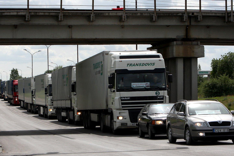 Vežėjų atstovai aiškino, kas lemia, kad daugelis tolimųjų reisų vairuotojų dar nepasiskiepiję.<br>G.Šiupario nuotr.