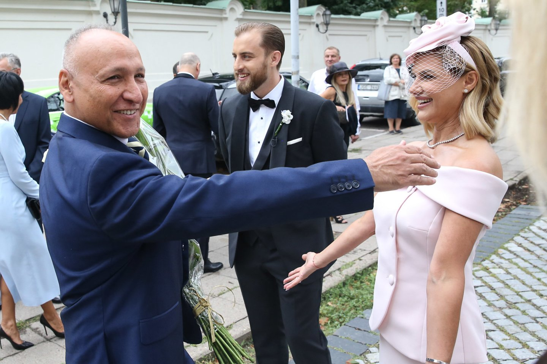 Jaunuosius pasveikino Izraelio ambasadorius Lietuvoje Yossefas Levy (kairėje). Dešinėje– Alono mama Dana Ribas.<br>R.Danisevičiaus nuotr.