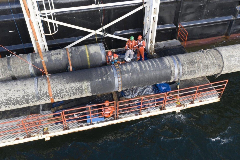 """Kaip ir pradinis """"Nord Stream"""" dujotiekis, baigtas statyti 2011 m., """"Nord Stream 2"""" dujos keliaus 1200 kilometrų per Baltijos jūrą, pradedant nuo Sankt Peterburgo ir baigiant šiaurine Vokietijos pakrante.<br>www.nord-stream2.com nuotr."""