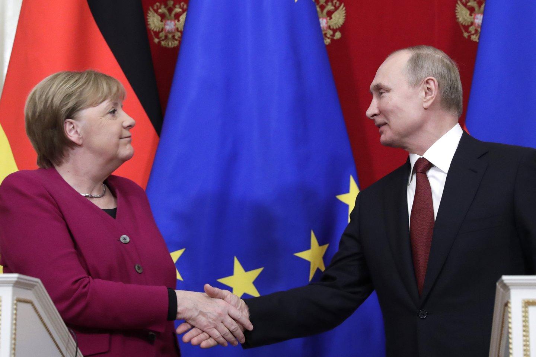 A.Merkel yra aiškiai įsitikinusi, kad rusiškos dujos yra labai svarbios tenkinant Vokietijos energijos poreikius.<br>TASS/Scanpix nuotr.